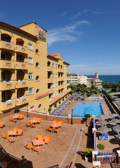 Hotel Vistamar pool area